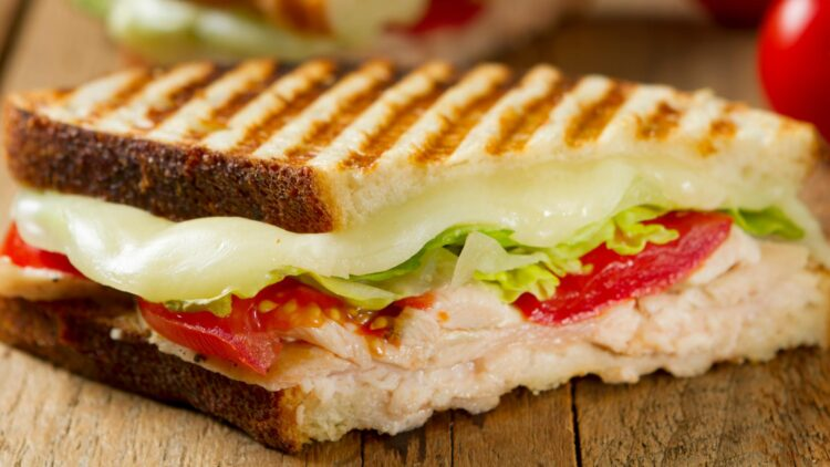 facebook-Linked_Image___cheese-tomato-sandwich-GettyImages-155419260