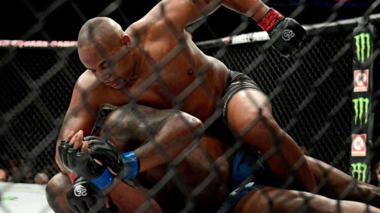 facebook-Linked_Image___cormier-lewis-ufc230-GettyImages-1057177546