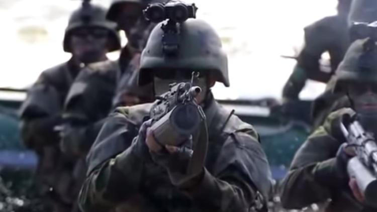 North Korea army dudes