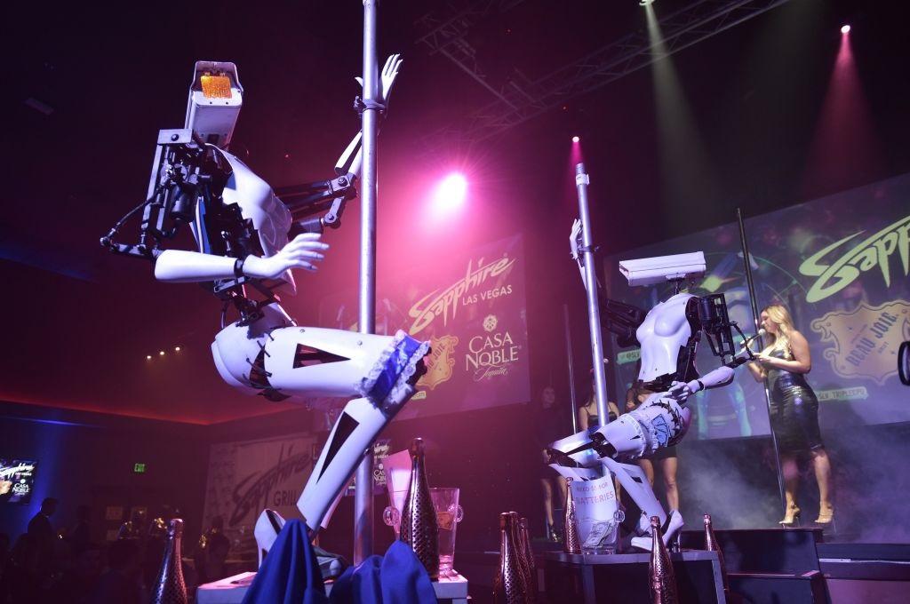 Pole-dancing robots at CES
