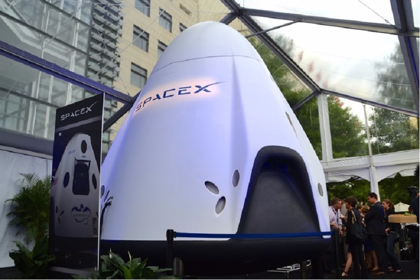 Red Dragon Spacex Carney