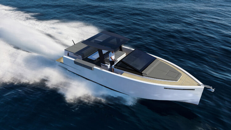 The sporty D33 comes in Open and Cruiser models (Photo: De Antonio Yachts)
