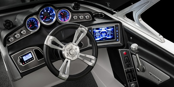 The cockpit features a posh captain's seat and redesigned controls (Photo: MasterCraft)