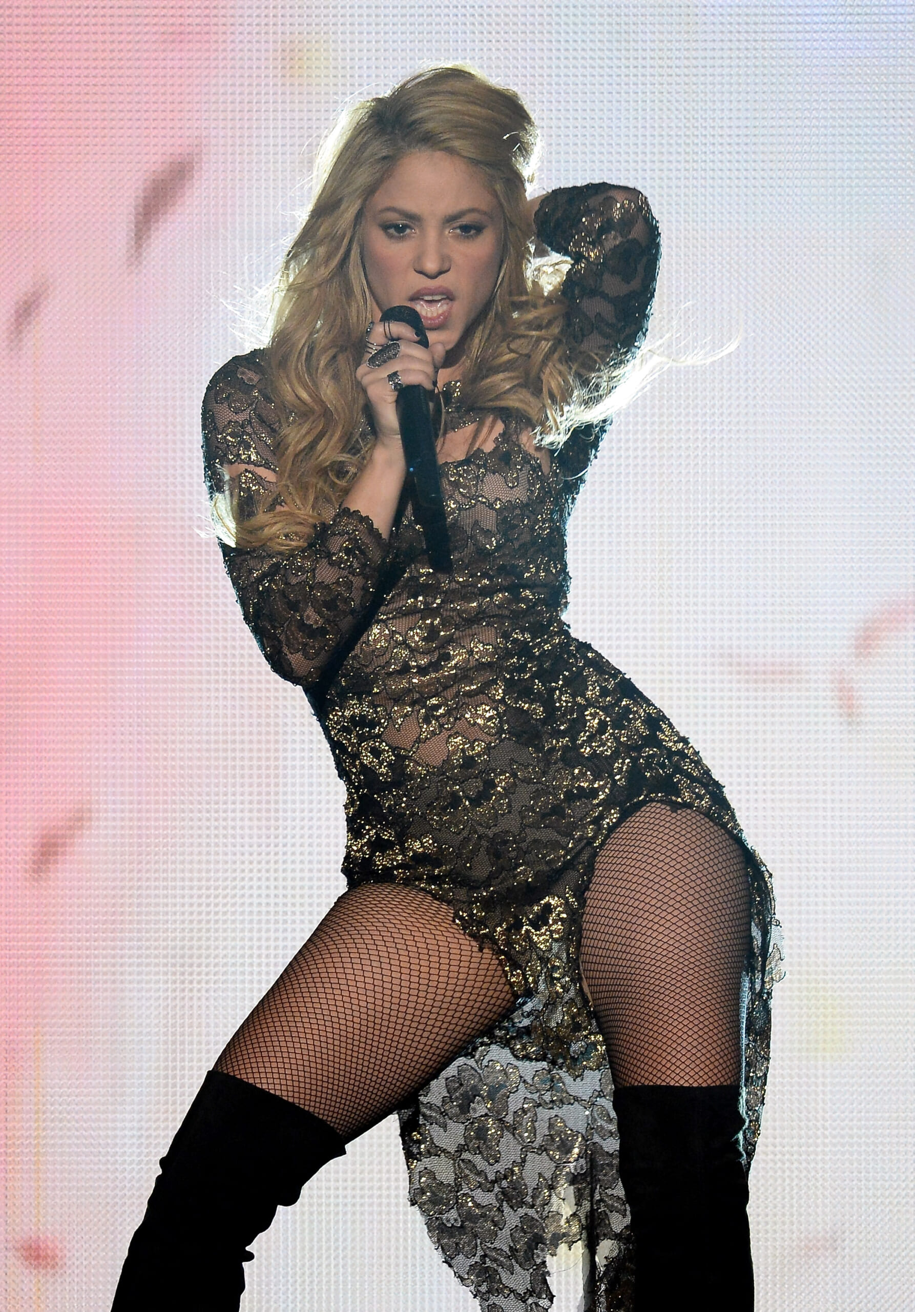 Shakira performs during the 2014 Billboard Music Awards at the MGM Grand Garden Arena on May 18, 2014 in Las Vegas, Nevada. (Photo by Ethan Miller/Getty Images)