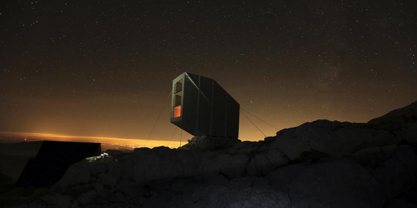 Tough-to-beat vistas from every angle (Photo: OFIS Arhitekti)
