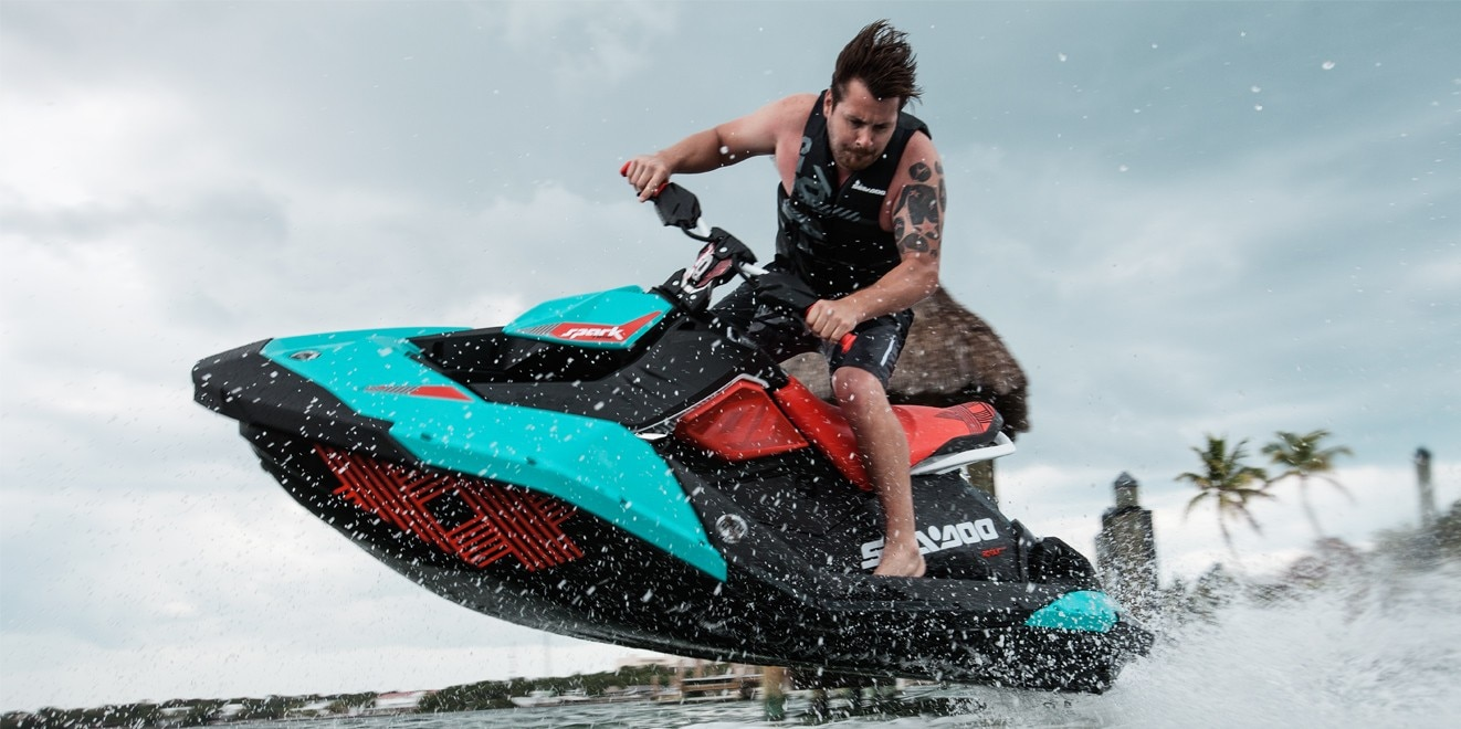 Adjust the handlebar and throttle to your liking (Photo: Sea-Doo)