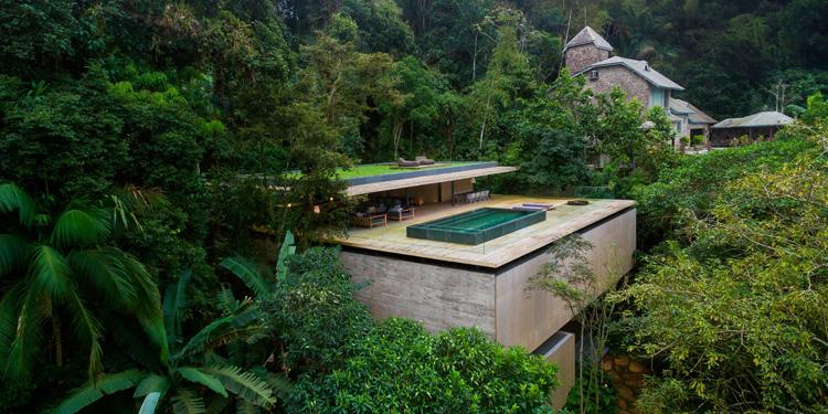 "Casa Na Mata"" (Jungle House) by Studio MK27 (Photo: Fernando Guerra)"